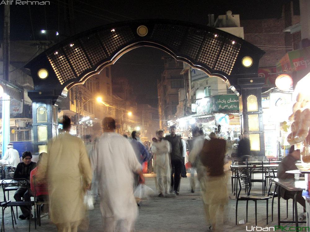 Lahore%20-%20Gawalmandi%20Food%20Steet%2